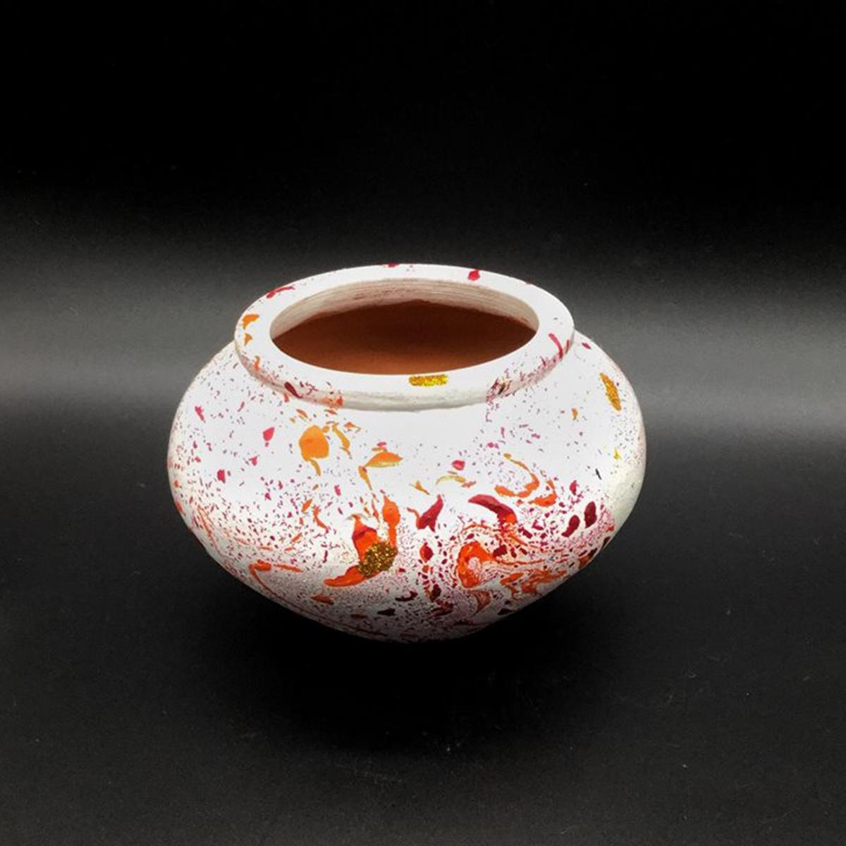 ေျမအိုးပန္းခ်ီ (Pot Painting)